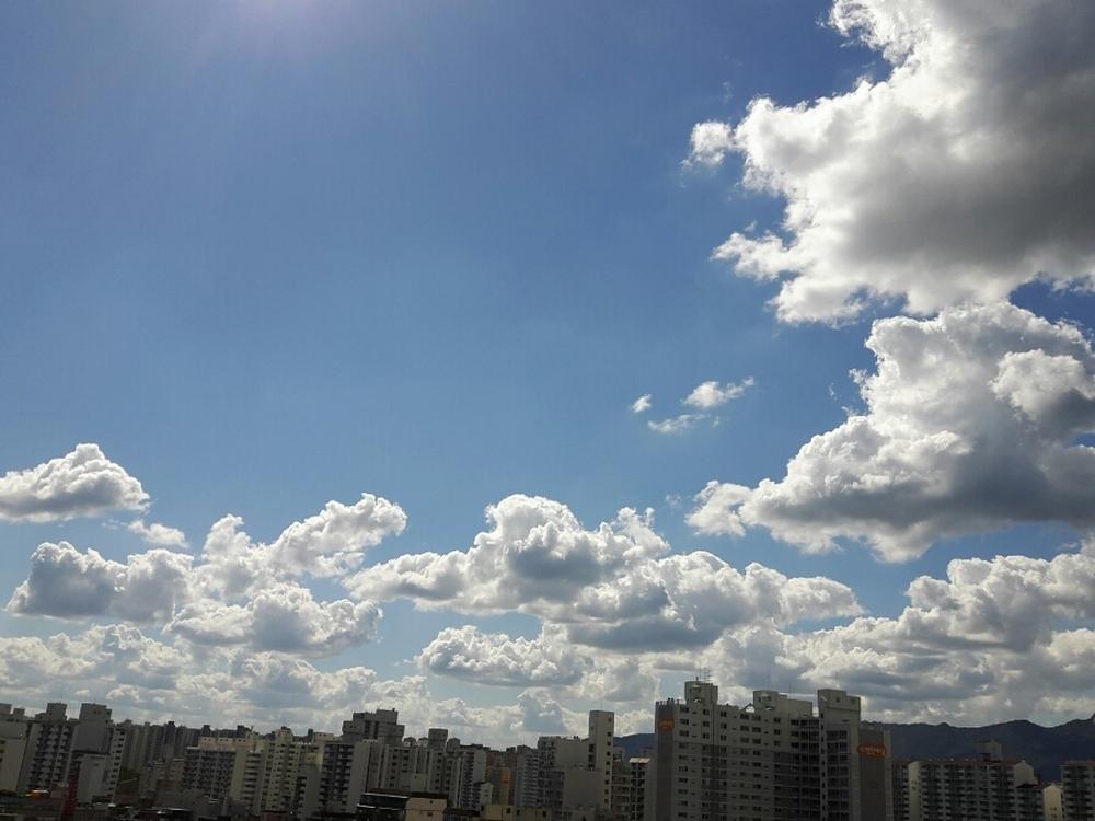 맑은 가을 하늘